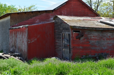 a_rustic_red_building